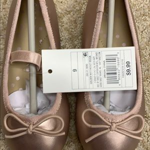 NWT- cat and jack flats